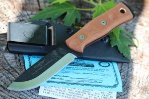 Tops BOB Bushcraft knife